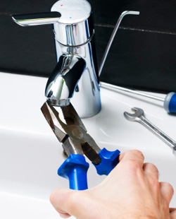 55542-faucets-plumbing-repair